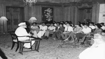 President Dr. Zakir Husain meeting with Students attending the Seminar of Vishwa Yuvak Kendra on National Integration, at Rashtrapati Bhavan.