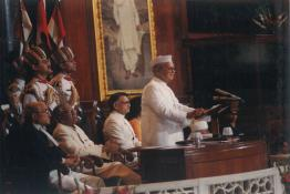 President Dr. Shankar Dayal Sharma addressing the gathering at Central Hall of Parliament House