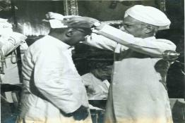Dr. Rajendra Prasad being conferred with the prestigious Bharat Ratna award by President  Dr. Radhakrishnan