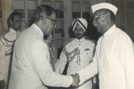 H.E. Mr. Firoz Khan Noon, Prime Minister of Pakistan, being received by President Dr. Rajendra Prasad at Rashtrapati Bhavan