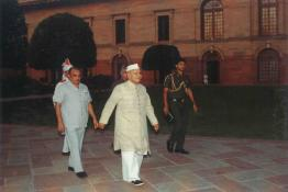 President Dr. Shankar Dayal Sharma taking a walk in the Mughal Gardens of Rashtrapati Bhavan