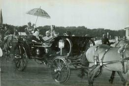 President of India and the President of U.S.A. arriving In State for the opening ceremony of the World Agriculture Fair